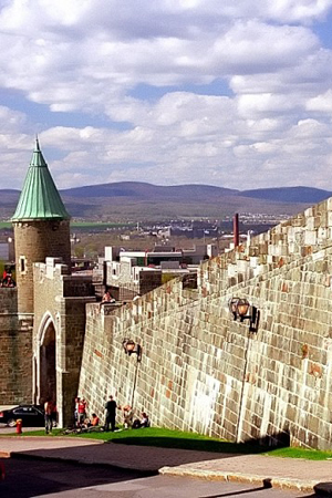 fortification-wall-quebec-city-canada-2249073339-800x536