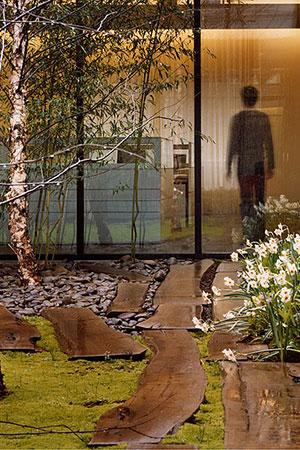Image-2-Tahari-Courtyard