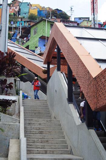 escalator7