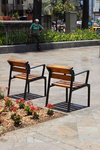street-chairs