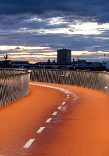 Cycle-Snake-Lanes