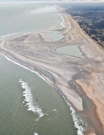 Zandmotor vlucht-30 10-01-2012 foto: Rijkswaterstaat/Joop van Houdt