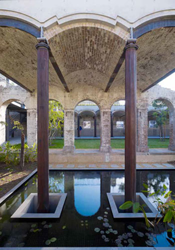 "Paddington Reservoir Gardens in Sydney, Australia (JMD Design landscape architects and Tonkin Zulaikha Greer architects) ""combines aspects of sunken plazas, the romance of industrial ruins, and green roof technology . . . providing urban refuge, rootedness, and continuity."" / Brett Boardman"