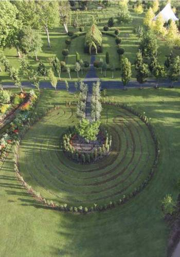 Aerial view of the church and labyrinth / Barry Cox