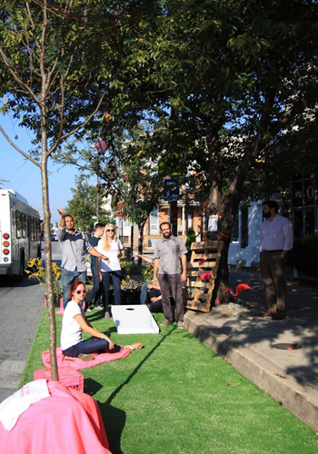 Mahan Rykiel Associates, Inc. celebrates PARK(ing) Day with some cornhole / Mahan Rykiel Associates, Inc.