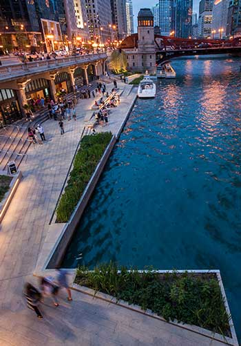 Chicago River Walk / Sasaki Associates