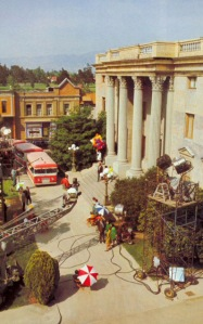 Courthouse Square, used in Back to the Future / Thestudiotour.com