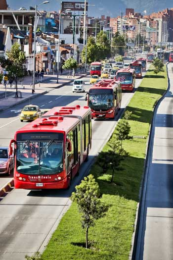 Bus rapid transit (BRT) in Bogota, Colombia / Scania.com