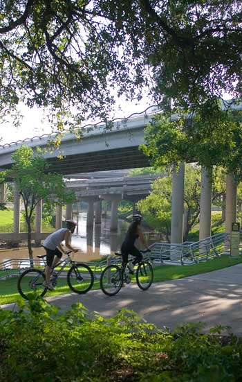 ASLA 2009 Professional General Design Award of Excellence. Buffalo Bayou Promenade, Houston. SWA Group / Tom Fox
