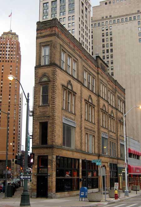 Detroit's Flatiron building / Flickr