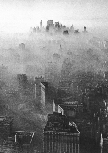 Manhattan smog in 1966 / Andy Blair