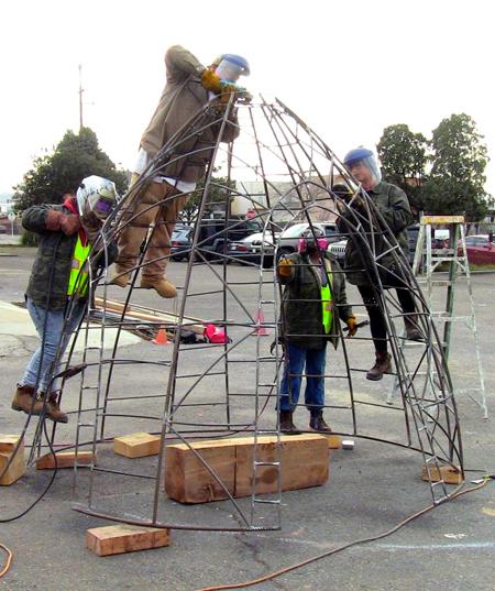 Play element construction / Pogo Park