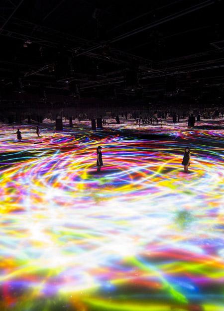 The Dance of Koi - Infinity / Team Lab