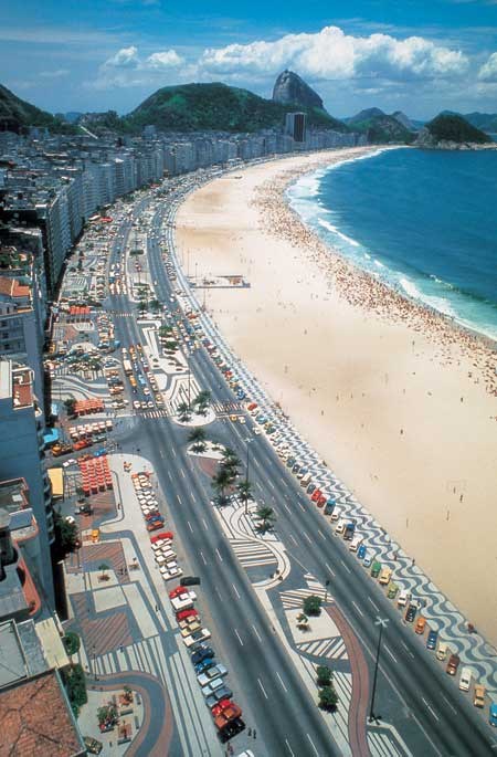 Avenida Atlantica, along Rio's Copacabana Beach / The Los Angeles Times, via Burle Marx Landscape Design Studio / Jewish Museum