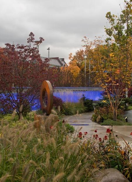 Schneider Healing Garden / Brad Feinknopf