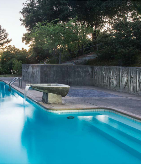 Pool at the Gould Garden / Ren Dodge, 2016
