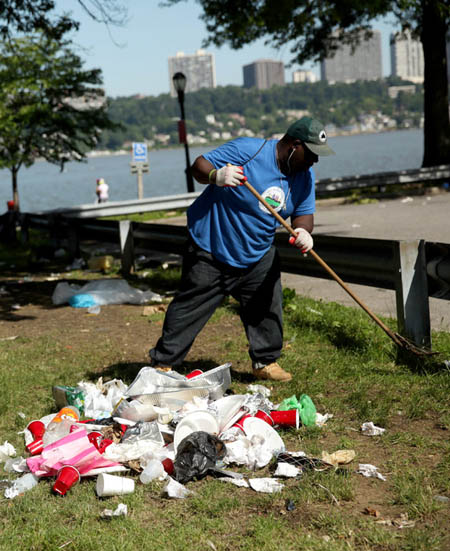 A maintenance worker in Riverside Park / The New York Times