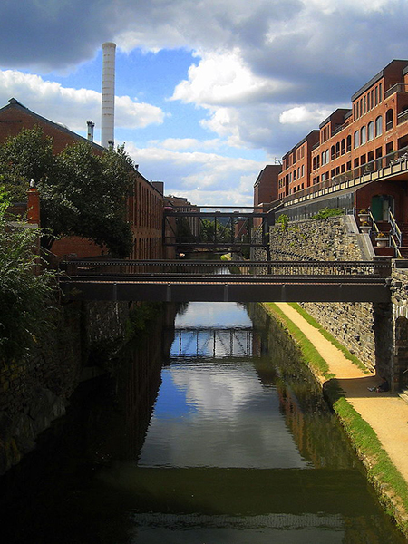 800px-C&O_Canal_-_Georgetown